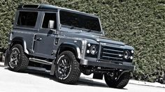 Kahn Design has presented a new Land Rover Defender portfolio, the Kahn Defender Chelsea Wide Track. Check out its photos here! Land Rover Defender, Defender 90, Kahn Design, Jaguar Land Rover, Suv Cars, Rc Model, Station Wagon, Car Pictures, Cool Cars