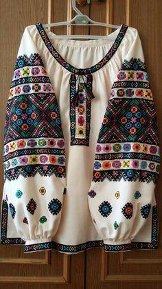 Simple Pakistani Dresses, Pakistani Fashion Casual, Indian Fashion Dresses, Pakistani Dress Design, Girls Fashion Clothes, Fashion Outfits, Stylish Dresses For Girls, Stylish Dress Designs, Trendy Outfits