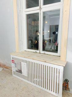 Våra elementskydd - 34 kvadrat - Metro Mode Radiator Cover, Pallet Crafts, Paint Furniture, First Home, Home Interior Design, Decoration, Home Furnishings, Bedroom Decor, House Styles