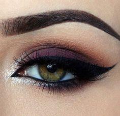 Maquillage de soirée, violet et argenté
