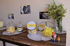 Le premier anniversaire de Leni : du jaune, du gris et du blanc