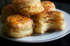 Pin on Brioche brod Romanian Food, Pastry And Bakery, Biscuits, French Toast, Recipies, Muffin, Sweets, Bread, Dishes