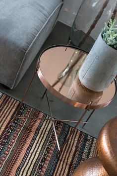 Zuiver Side Table Cupid Copper M 45 x & Zuiver & & HomeDeco.nl Source by sandysaadie The post Zuiver Side Table Cupid Copper M 45 x appeared first on The most beatiful home designs. Dressing Table Storage, Tempered Glass Table Top, Rose Gold Decor, Deco Design, Inspired Homes, Home Decor Accessories, Jelsa, Area Rugs, Interior Design