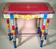 Hand painted accent table by Lisa Frick (attention wislanscraft...)