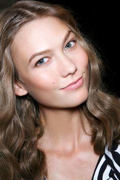 <img> Diane von Furstenberg at New York Fashion Week Spring 2014 – StyleBistro - Makeup Tips, Beauty Makeup, Hair Beauty, Makeup Inspo, New York Fashion, Bronzer, Concealer, Job Interview Makeup, Skin Makeup