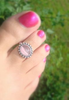 Toe Ring, Pink Glass, Silver Bead, Beaded Toe Ring. $5.00, via Etsy.