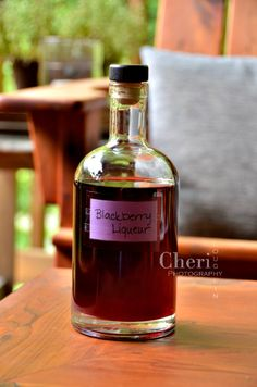 Homemade Blackberry Liqueur (creme de mure) is super easy to make. It takes a little over 24 hours to completion, but it's so worth the time and effort. Rum Cocktail Recipes, Alcohol Drink Recipes, Cocktails, Alcoholic Drinks, Beverages, Cocktail Drinks, Homemade Liqueur Recipes, Homemade Alcohol, Homemade Liquor