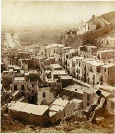 1863 Alicante vista de Santa Cruz Valencia, Vintage Photography, Paris Skyline, Mount Rushmore, Mountains, Travel, Santa Cruz, Shape, Alicante Spain