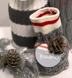 Un DIY d'emballage style bas de laine : un hit assuré avec le Bar à idées! - Cinq Fourchettes Napkin Rings, Creations, Diy, Oui Oui, Totalement, Perception, Board, Presents, Christmas Wrapping