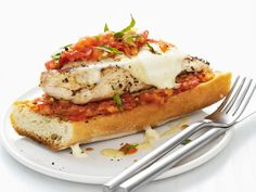 Recipes for Chicken parmesan sandwich that you will be love it. Choose from hundreds of Chicken parmesan sandwich recipes! Chicken Parmesan Recipe Food Network, Chicken Parmesan Sandwich, Grilled Chicken Breast Recipes, Chicken Recipes, Food Network Recipes, Food Processor Recipes, Cooking Network, Grilling Recipes, Cooking Recipes