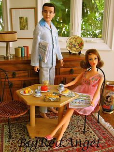 Barbie and Ken vintage :: I think that might actually be Midge.