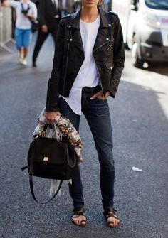 Relaxed skinny jeans.