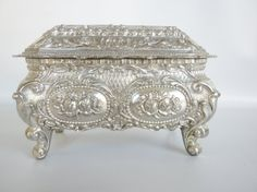 Vintage Trinket Box Silver Plated Jewelry box by oldandnew8, $15.00