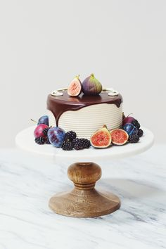 mini cake topped with figs