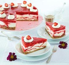 Das Rezept für Marmorierte Erdbeer-Frischkäsetorte und weitere kostenlose Rezepte auf LECKER.de