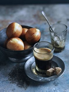 Coffee and Little custard doughnuts by Donna Hay Slow Cooker Desserts, Chocolate Cafe, Café Espresso, Donna Hay Recipes, Coffee Cafe, Iced Coffee, Coffee Shop, Coffee Barista, Coffee Menu
