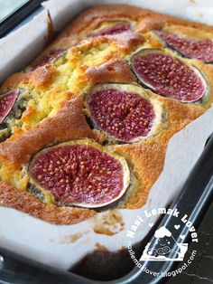 Fresh fig cake ... was wondering what to do with all my fresh figs !!!!!!!!!!!