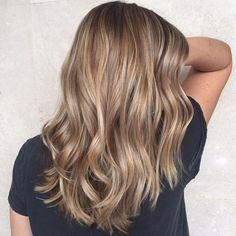 And trending brown blonde hair, light brown hair dye, balayage hair l Cool Brown Hair, Brown Blonde Hair, Dark Blonde, Blonde Shades, Summer Brown Hair, Blonde Color, Dark Hair, Brown Hair With Highlights, Hair Color Highlights