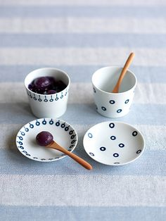 Blue series - Cherry cups and plates