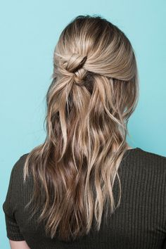 The Secret Behind An L.A. Salon's Signature Waves #refinery29 http://www.refinery29.com/2016/03/105014/riawna-capri-waves-hairstyle-pictures#slide-19 There you have it! Here's the view from the back......