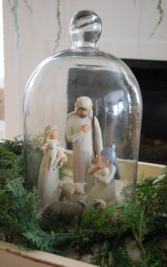 Nativity Scene in a Cloche / Home by Heidi: {Tis The Season~2011} Noel Christmas, Christmas Nativity, Merry Little Christmas, Winter Christmas, Vintage Christmas, Christmas Crafts, Christmas Decorations, Xmas, Christmas Ideas
