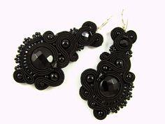 montownia monity hand embroidered jewelry sutasz soutache: Szaro wszędzie czarno wszędzie...