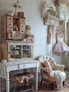 13 Conventional Shabby Chic Farmhouse Decor Photos - Vintage Indian trunks cladded with iron straps and brass medallions, farmhouse stylish interiors