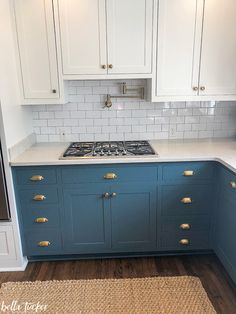 White and teal kitchen cabinets blue lowers and white upper cabinets white kitchen cabinets teal backsplash . white and teal kitchen cabinets Two Tone Kitchen Cabinets, Kitchen Cabinet Colors, Upper Cabinets, Painting Kitchen Cabinets, Kitchen Paint, New Kitchen, Kitchen Ideas, Blue Cabinets, Kitchen Cabinetry