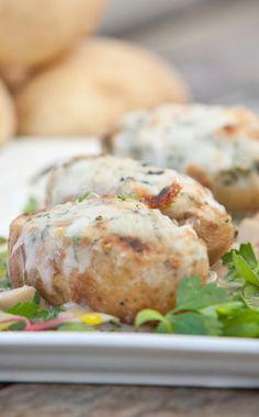 תפוחי אדמה במילוי גבינות ( צילום: נועם מוסקוביץ' )