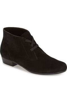 88a275230b6 Main Image - Munro  Sloane  Lace Up Bootie (Women) Soft Leather