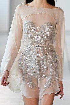 Çok şık transparan elbise modeli