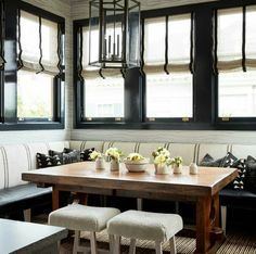Jon de la Cruz 2017 Kitchen of the Year Breakfast Nook LOVE banquettes ! This one is stunning and stylish ! Banquettes, Kitchen Nook, Kitchen Dining, Kitchen Banquette Ideas, Beautiful Kitchens, Beautiful Homes, House Beautiful, Cocinas Kitchen, Banquette Seating