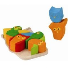 Owls Wooden Puzzle - A bright and charming puzzle from Kathe Kruse that's perfect for your early puzzle-solver. This wooden puzzle is comprised of 6 extra-large and chunky owls that fit together inside the owl-shaped wooden tray.  The puzzle develops geometric thinking and teaches the combination of forms and colors. Use the pieces as blocks, or arrange them as an owl and use them to do the puzzle. #waldorf #kathekruse #puzzle #woodentoys
