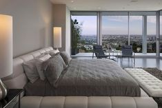 The Essence of Modern Living above LA: Luxury Mansion in Hollywood | Interior Design Seminar