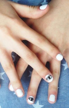 Eye love this mani
