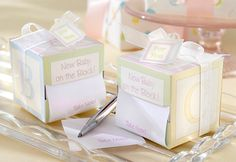 """""""Take Note! New Baby On the Block!"""" Sticky Notes """"Take Note! New Baby On the Block!"""" Sticky Notes Related posts:DIY Geschenk zur Geburt aus Scrabble BuchstabenAlarmingly Adorable: Baby Cake Designs by Whipped Bakeshop —. Baby Shower Prizes, Baby Shower Party Favors, Baby Shower Decorations, Baby Shower Gifts, Bridal Shower, Baby Favors, Baptism Favors, Birthday Favors, Shower Baby"""