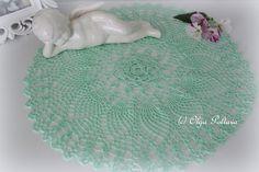 Lacy Crochet: Mint Pineapples Doily, Free Vintage Doily Pattern