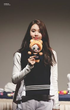 This is his little sister, Vanessa. Hes super protective of her.<< her name's Chaeyoung 😑 Nayeon, Extended Play, Pop Group, Girl Group, Korean Girl, Asian Girl, Baby Cubs, Twice Album, Chaeyoung Twice
