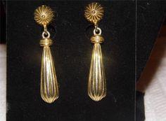 "Beautiful Gold Tone ""Premier Design"" Dangle Earrings EA5"