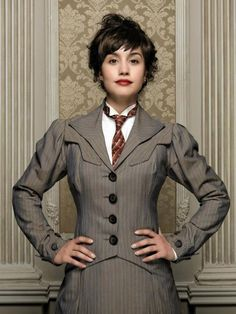 Megan Montaner [Maite] Gran Hotel, Pictures Of People, Dieselpunk, Tv Series, Female Outfits, Celebs, Blazer, Clothes For Women, Photograph