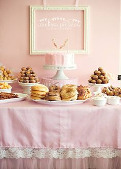 Trendy Baby Shower Food Table Set Up Love Ideas – Abiball Abschlussfeier Baby Shower Erntedankfest (Thanksgiving) Geburtstag Geschenk korb Baby Shower Table Set Up, Baby Shower Brunch, Baby Shower Fall, Girl Shower, Baby Shower Cakes, Baby Showers, Shower Set, Brunch Cake, Brunch Decor