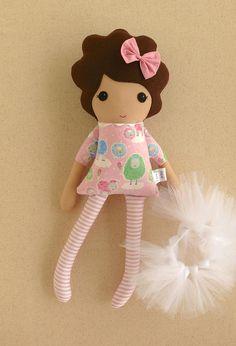 Muñeca de trapo de muñeca de tela chica de pelo marrón en