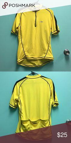 Louis Garneau Men s Bicycling Shirt SZ L Louis Garneau men s yellow  bicycling shirt. Size L 490beddaa