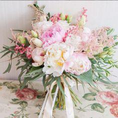Модные свадебные букеты 2016 - как выбрать цветы для невесты
