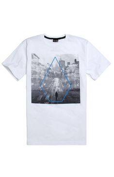 PacSun presents the Volcom Forward Photo T-Shirt for men. This solid men's t-shirt comes with a cityscape fill for the minimal Volcom Stone logo on front. Solid tee with Volcom graphic on front Crew neck Short sleeves Regular fit Machine washable 100% cotton Imported