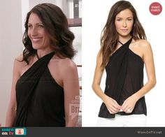 Abby's black asymmetric twist neck top on Girlfriends Guide to Divorce.  Outfit Details: http://wornontv.net/43803/ #GG2D
