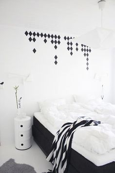 Love the wall stickers.  Stylizimo - Home. Decor. Inspiration.