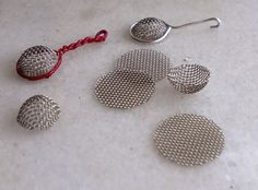 my little evasion: How to make mini strainers