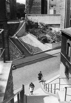 Rue de Crimée depuis - Rue Albert - Robida - Belleville - Ménilmontant - 1954 © Willy RONIS