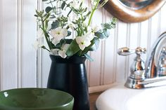 You can't go wrong with a black & white bathroom. Learn how @makingitlovely uses hers as a blank canvas to incorporate colors that completely change the mood. Via MyColortopia.com